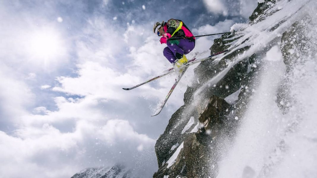 Surface and Equipments used in Freeskiing